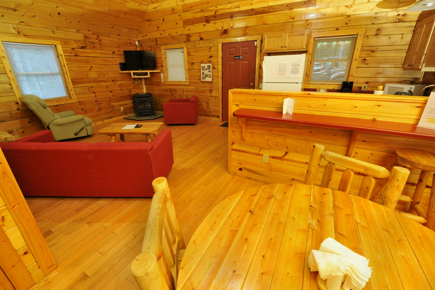 Enchanted Cabin in the Woods with Private Hot tub - Cabins
